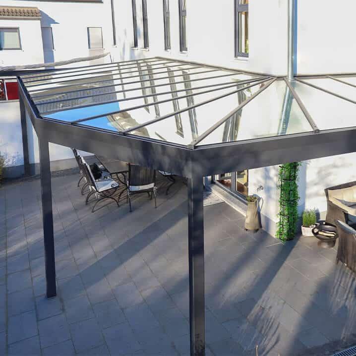 Terrassendach ums Eck
